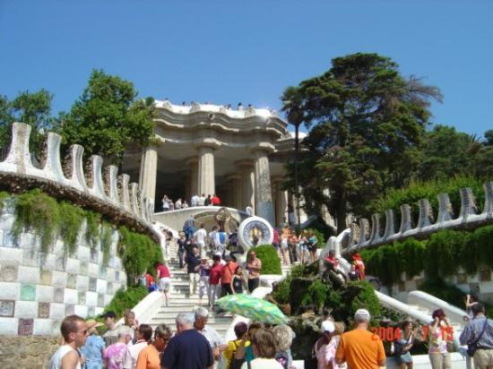 กูเอลปาร์ค: Park Guell-barcelona-Spain
