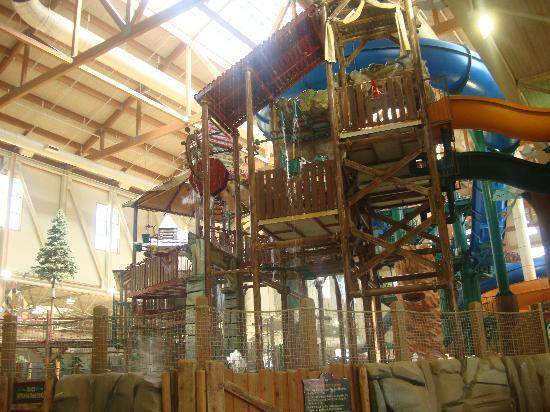 Great Wolf Lodge: The water park when you first walk in
