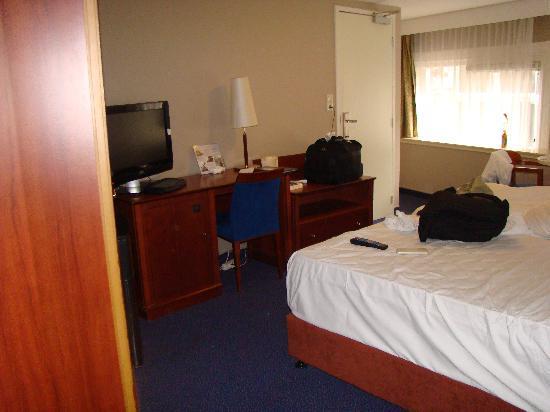 ทิวลิปอินน์ อัมสเตอร์ดัมเซ็นเตอร์: Room 25 - nice, clean, decent
