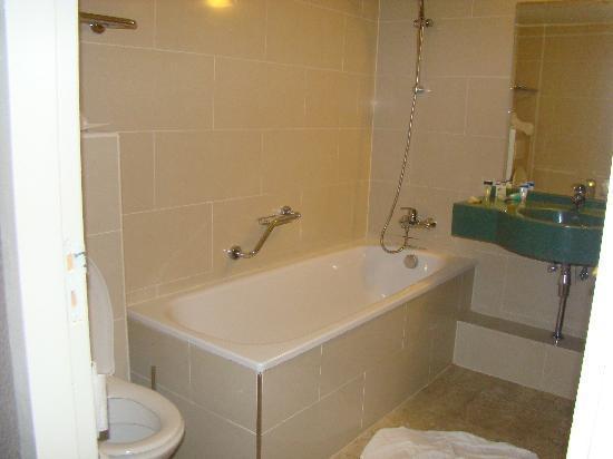 ทิวลิปอินน์ อัมสเตอร์ดัมเซ็นเตอร์: Room 25 - clean/decent/nice bathroom