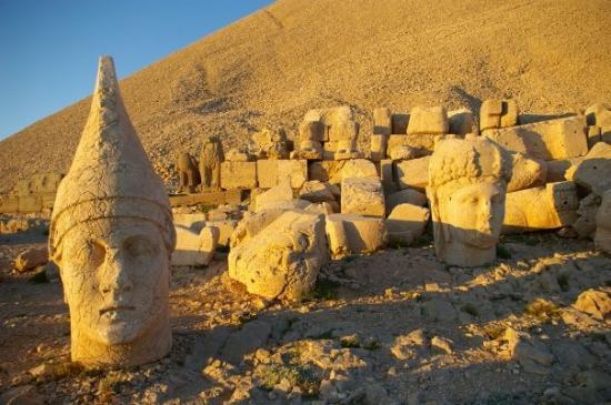 Mount Nemrut รูปภาพ