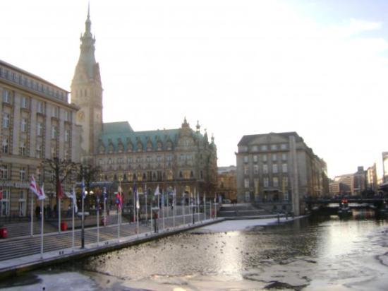 ฮัมบูร์ก, เยอรมนี: Hamburgo...