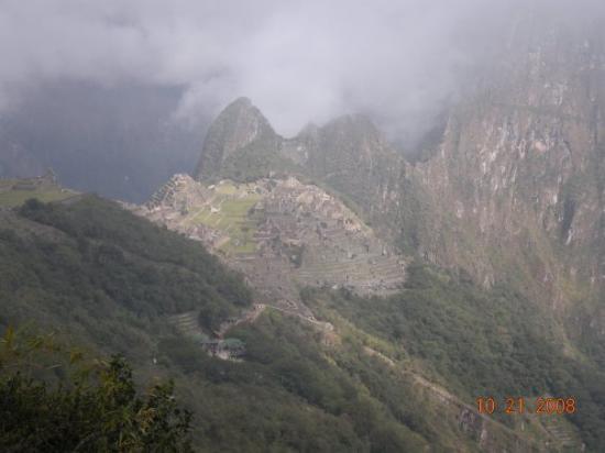 มาชูปิกชู, เปรู: vista de la ciudadela bajando desde EL INTIPUNKU