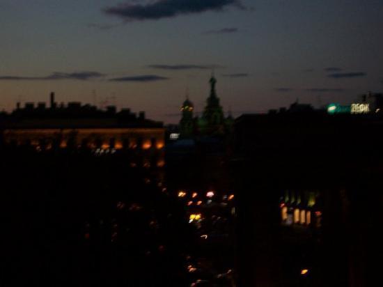 เซนต์ปีเตอร์สเบิร์ก, รัสเซีย: St. Petersburg after 11 p.m.