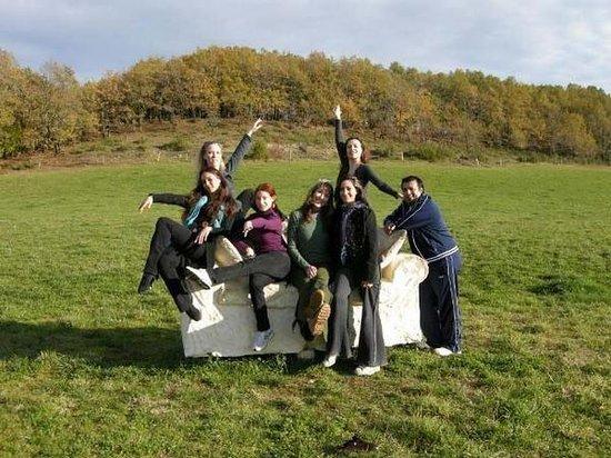 บอร์โด, ฝรั่งเศส: Myself with some of the BDSS posing on the stone couch. This picture is in their online magazine