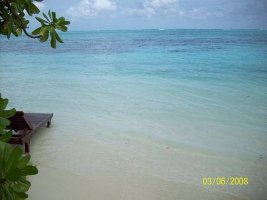Asdu Sun Island: The view from our beach bungalow.