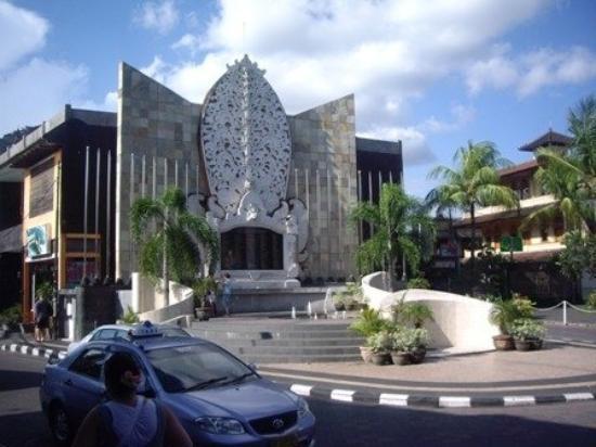บาหลี, อินโดนีเซีย: memorial
