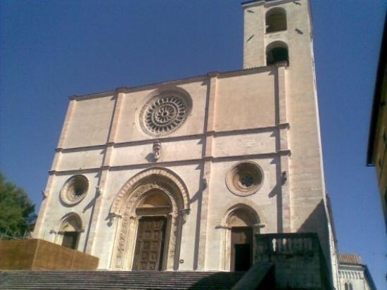 Todi ภาพถ่าย