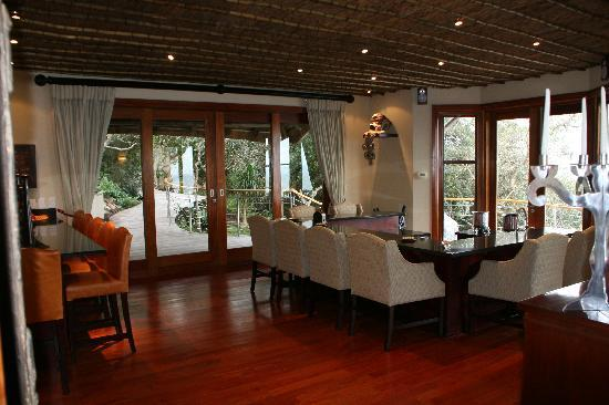 Oceana Beach and Wildlife Reserve: Dining Area in House