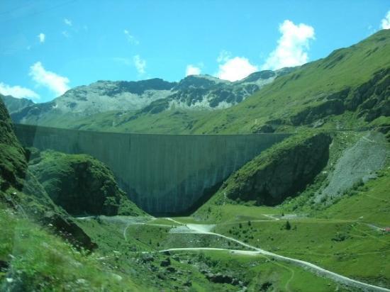 Grimentz, สวิตเซอร์แลนด์: Barrage de Moiry Moiry dam