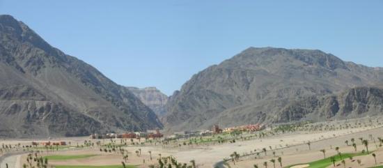 ตาบา, อียิปต์: The Sinai Peninsula - part of Egypt connecting The Continents Asia and Africa. Surrounded by Gul