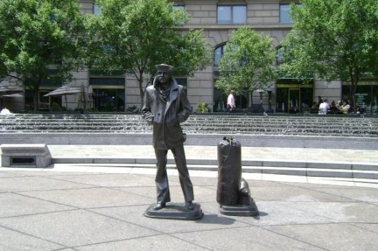 United States Navy Memorial and Naval Heritage Center: US Navy Memorial