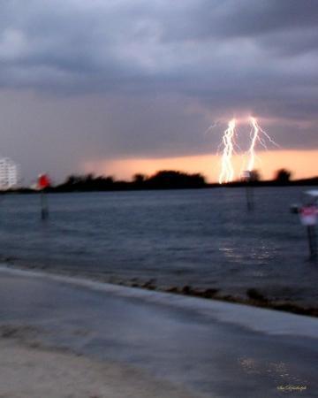 เซนต์พีทบีช, ฟลอริด้า: First Lightning Shot while at the beach