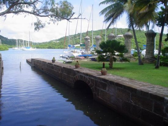 Hawksbill Bay: antigua