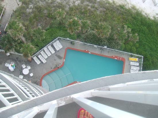 เลกาซี่บายเดอะซี: Pool