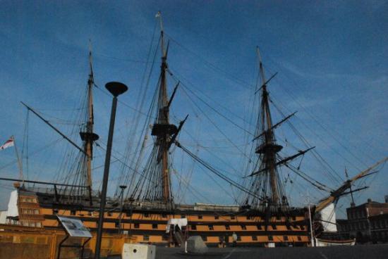 Portsmouth (เมืองพอร์ทสมุธ) ภาพถ่าย