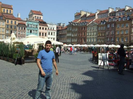 วอร์ซอ, โปแลนด์: Plaza de Varsovia