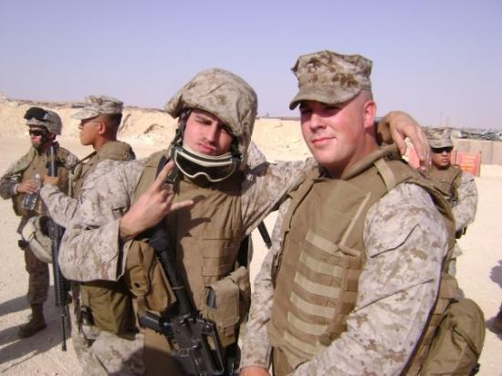 Ramadi, อิรัก: Alexander a friend of mine with Horn our armorer (cool guy too)
