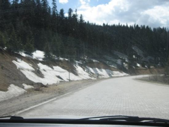 Passage of Mt. Ilgaz, Kastamonu, snow on the road, end of May, 2009