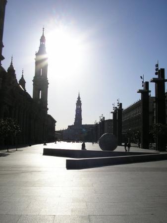 ซาราโกซา, สเปน: sur la plaza