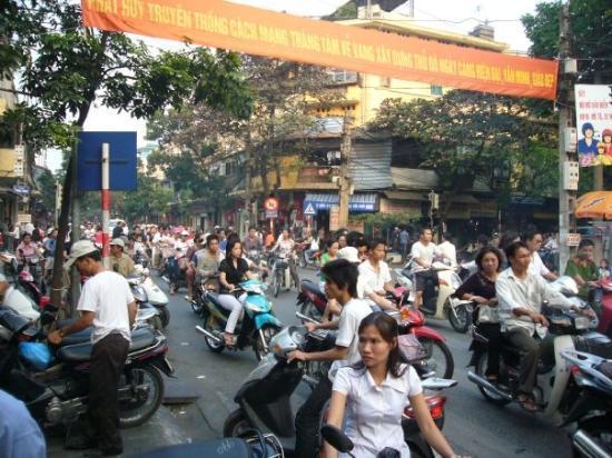ฮานอย, เวียดนาม: Typical Hanoi Traffic