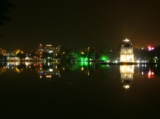 ฮานอย, เวียดนาม: Hoan Kiem Lake