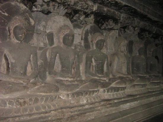 Ellora, อินเดีย: Buddhas