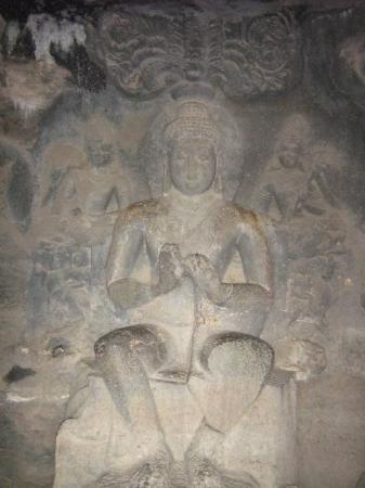 Ellora, อินเดีย: Yup yet again Buddha , ok caves 1-15 are dedicated to buddha