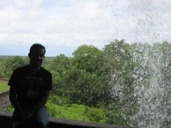 Ellora, อินเดีย: Me and the waterfall