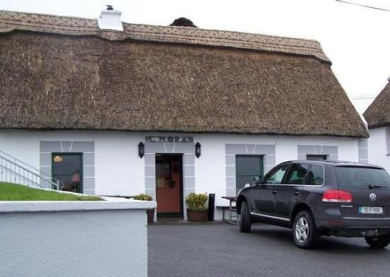 กัลเวย์, ไอร์แลนด์: Moran's sits hidden away on an inlet at the end of Galway Bay, and serves the most famous oyster