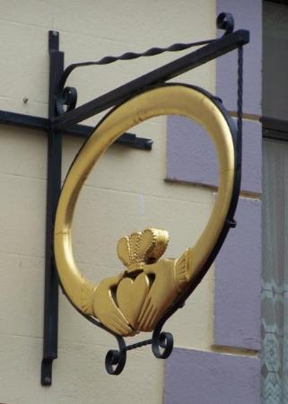 กัลเวย์, ไอร์แลนด์: Friendship, Loyalty and Love.