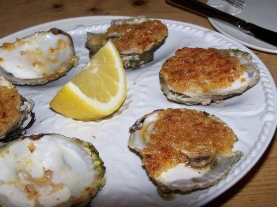 """กัลเวย์, ไอร์แลนด์: These """"to die for"""" oysters grow in the most environmentally-controlled oyster beds in Ireland."""