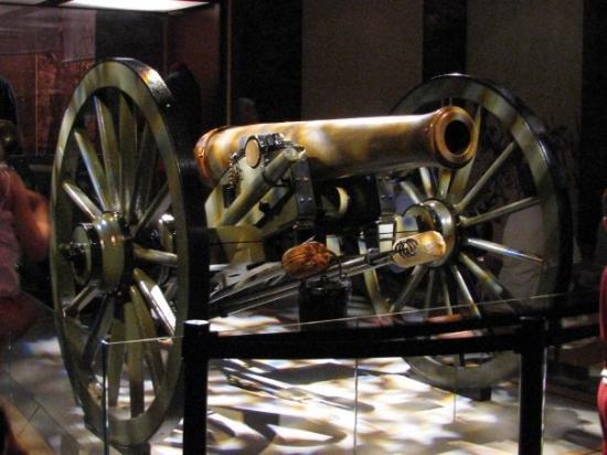 อุทยานทหารแห่งชาติเกตตีสเบิร์ก: cannon at national military park museum