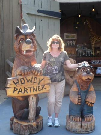Knott's Berry Farm: Joan in frontier land!