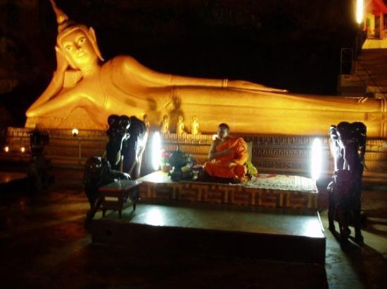 จังหวัดภูเก็ต, ไทย: buddha ja munkki