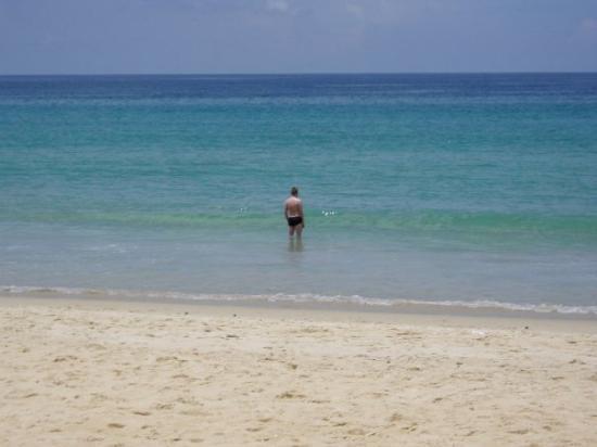 หาดกะรน: merivesi oli ihan sikalämmintä! ja kirkasta