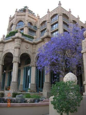 เดอะพาเลซ ออฟ เดอะ ลอสท์ ซิตี้: The Palace Hotel in South Africa , ...we felt like kings and queens here...hehehe