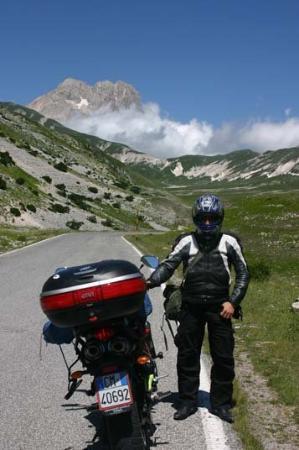 L'Aquila, อิตาลี: LUGLIO 2008 CONQUISTO IN SOLITARIA IL GRAN SASSO (ABRUZZO)