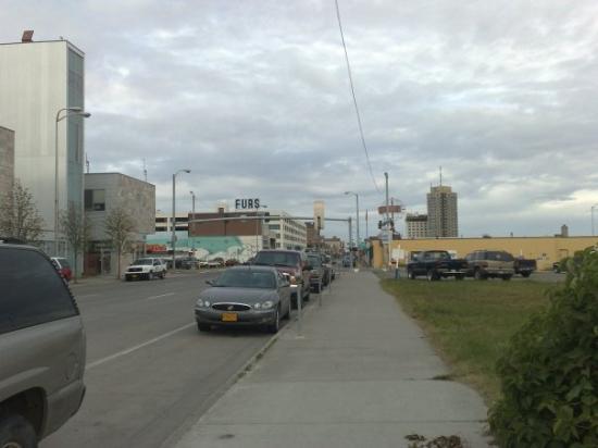 แองเคอเรจ, อลาสกา: Ya en Anchorage... son las 8:30am o sea 11:30am (LIM) 18 grados.... yeeeeeee el verano llego lle