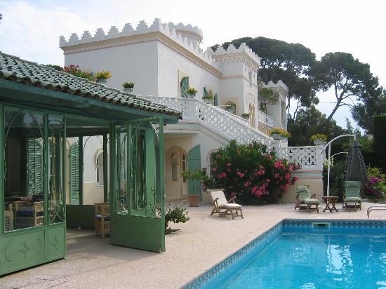 La Villa Mauresque: la tour et piscine