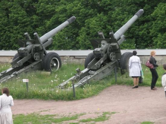 ป้อมปีเตอร์แอนด์พอล: Noen av kanonene på festningen