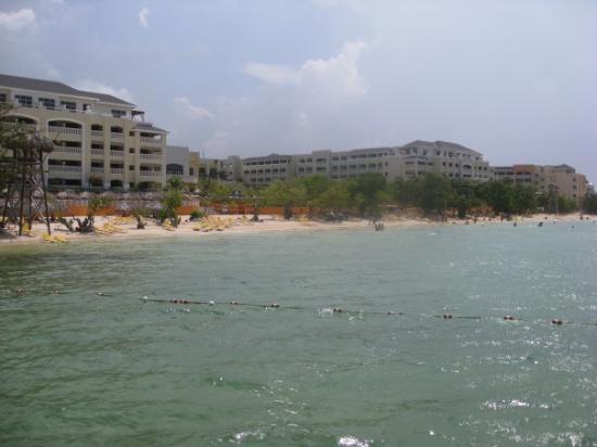 มอนทีโก เบย์, จาไมก้า: the beach