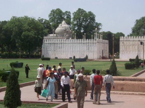 Red Fort (Lal Quila): Local tourists inside the fort area.