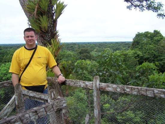อีกีโตส, เปรู: Atop a high lookout above the Amazon Jungle