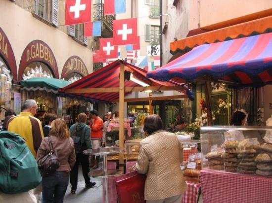 ลูกาโน, สวิตเซอร์แลนด์: Lugano, Switzerland (on the Italian-Swiss Border)