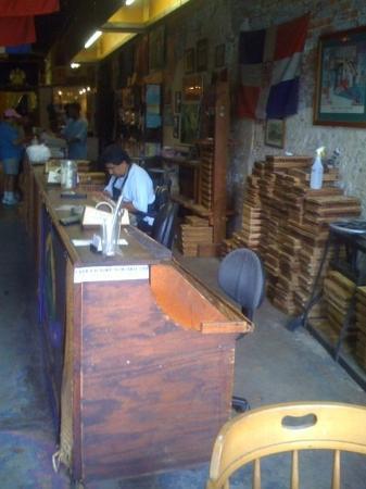 นิวออร์ลีนส์, หลุยเซียน่า: rollin cigars