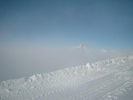 เซอร์แมท, สวิตเซอร์แลนด์: That is THE Matterhorn off in the background. There is a glacier between, which you use to get t