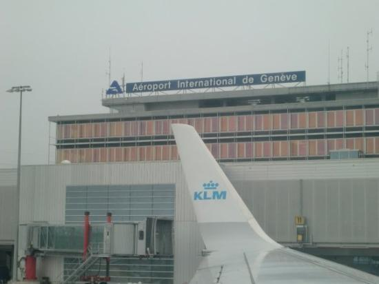 เซอร์แมท, สวิตเซอร์แลนด์: Leaving the gate at Geneva.