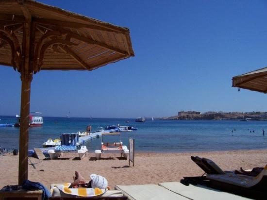 Sharm El Sheikh Marriott Resort: The beach at Sharm al Sheikh (actually Na'ama Bay) where we stayed.