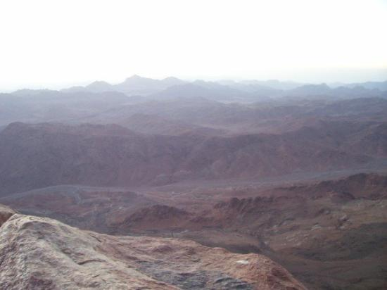 Saint Catherine, อียิปต์: Looking out towards St. Catherine and the valley where the Israelites partied while Moses was on
